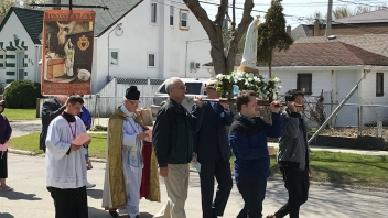Marian Procession sspx Winnipeg 2019