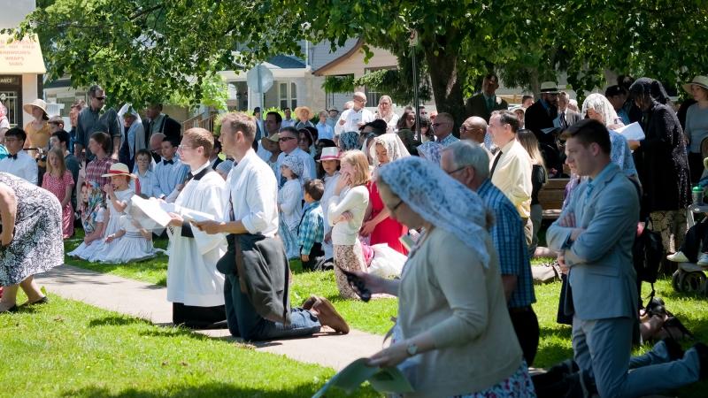 Corpus-Christi - Holy Face of Jesus Church - SSPX - Canada